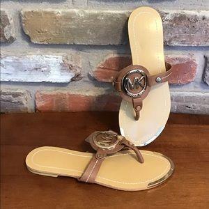 MICHAEL KORS Thong Flip Flops Sandals NEW